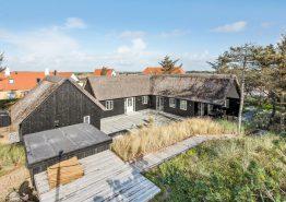 Aktivitetshus i Søndervig med udespa, sauna og ugeneret terrasse (billede 1)