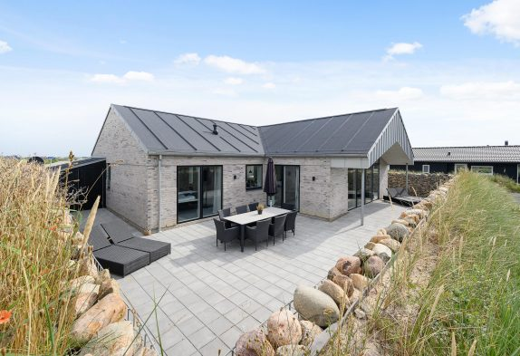 Modernes Ferienhaus mit Wellnessbereich und direkt bei Søndervig